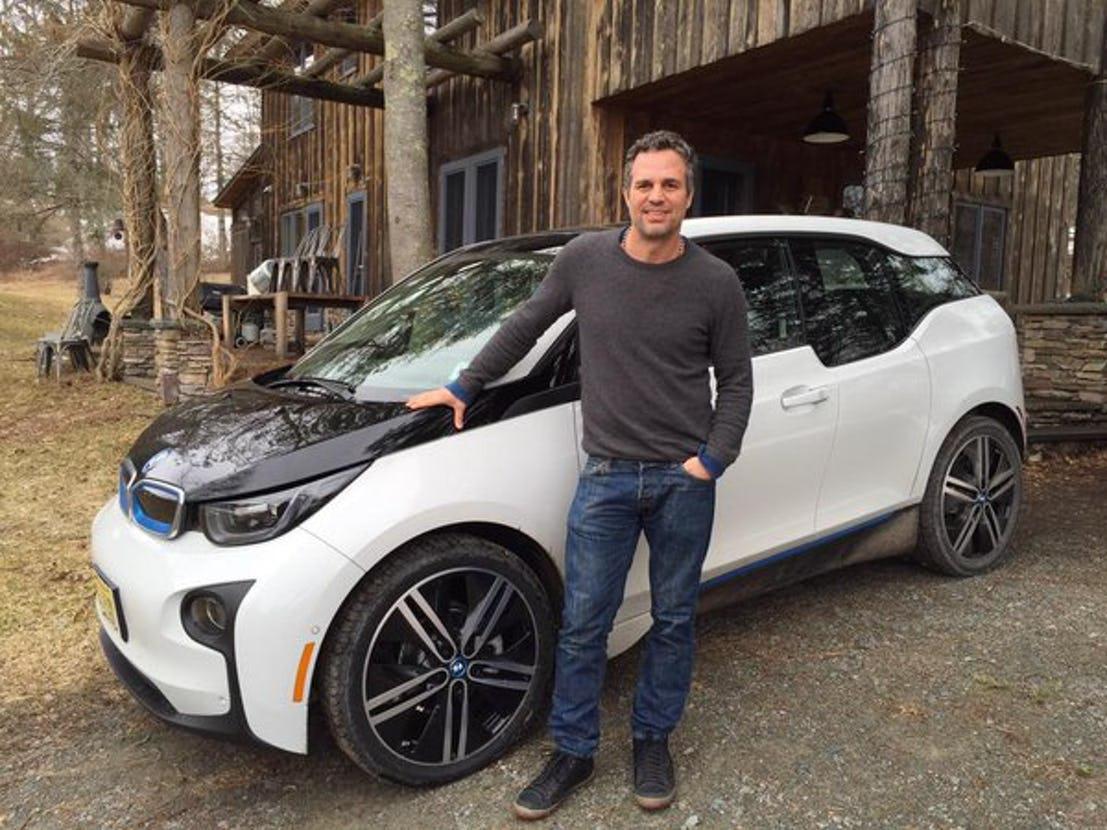 A Marvel sztárszínész is elektromos kocsit vezet