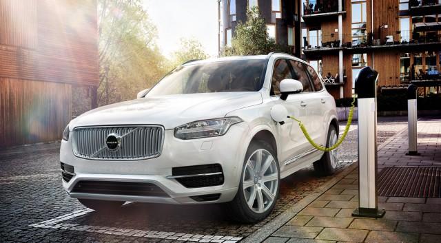 Elektromos Volvo töltés e-mobility elektromos-autozas.hu