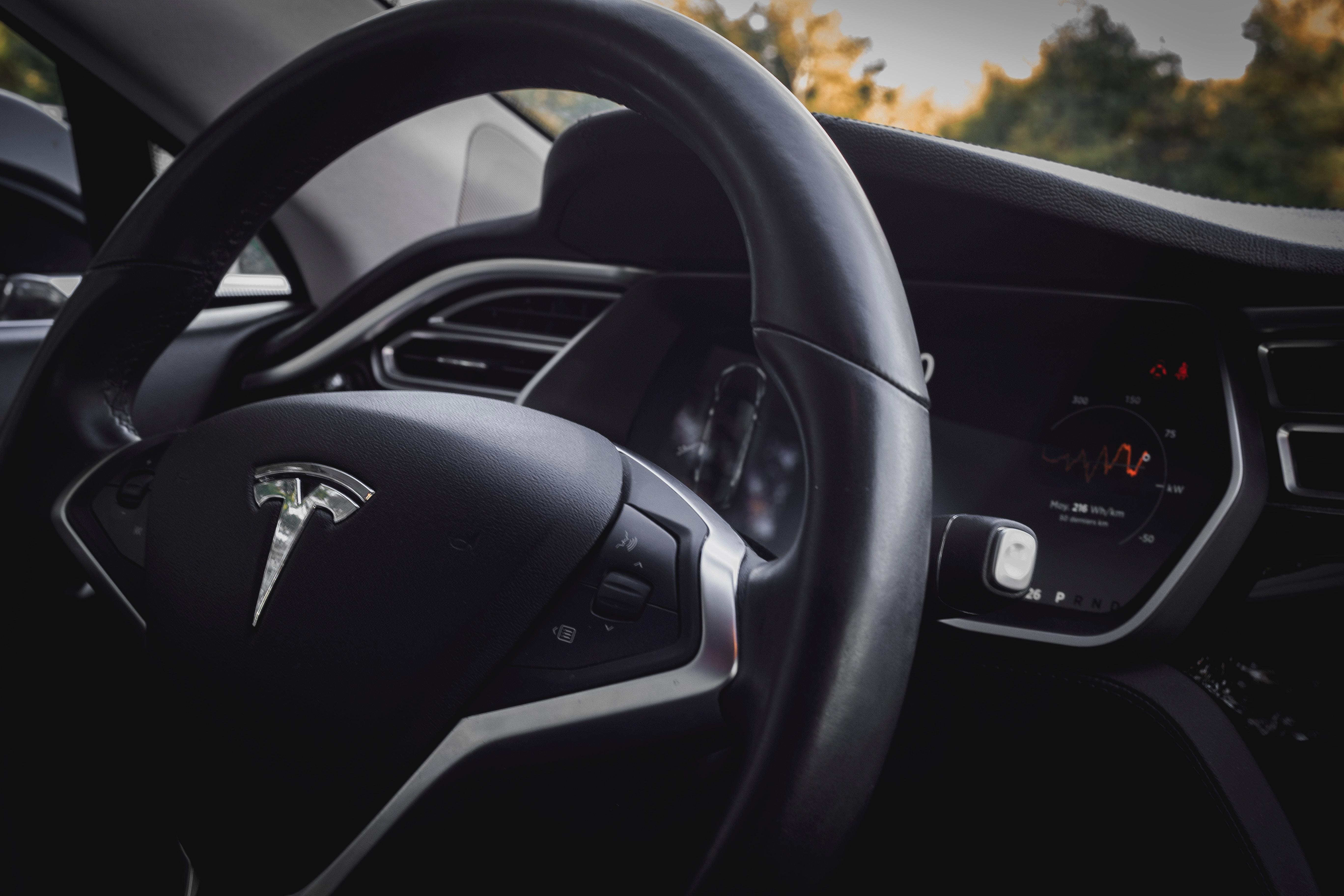 Így vélekedik a Top Gear a Tesla Model S-ről