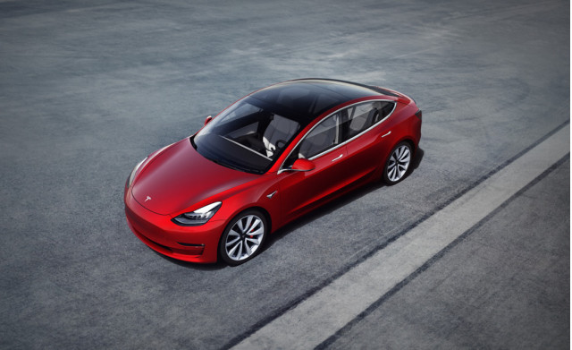2018-as Tesla Model 3 elektromos-autozas.hu