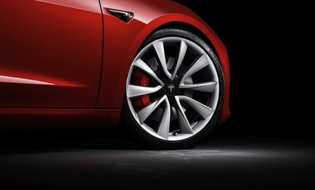 A Tesla odacsapott a 3. negyedévben