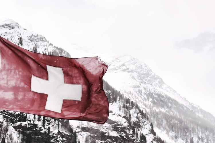 Svájcban tombol a Tesla láz