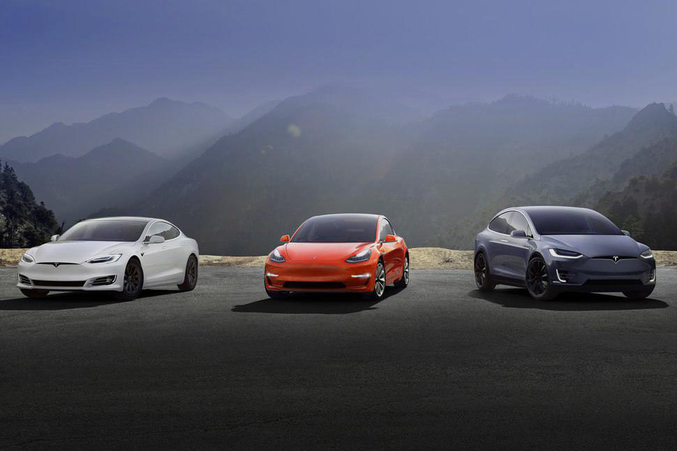 Tesla: Inkább dolgoznak, mintsem a kritikákra figyelnek