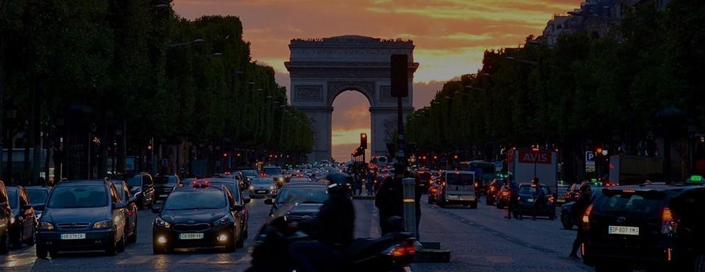 Franciaországban is dúl az elektromos autóláz
