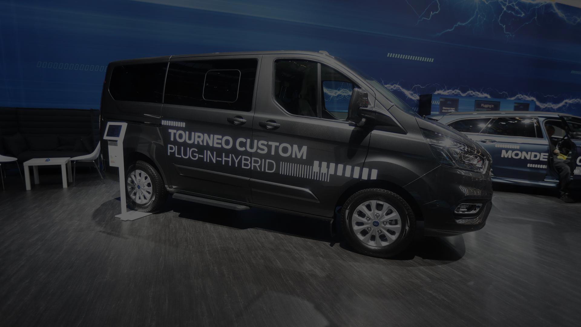 Az új hibrid Ford is megfordult Frankfurtban