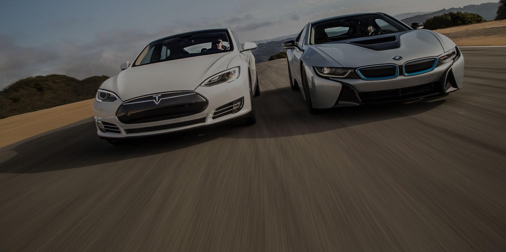 A BMW is reagált a Tesla új autójára