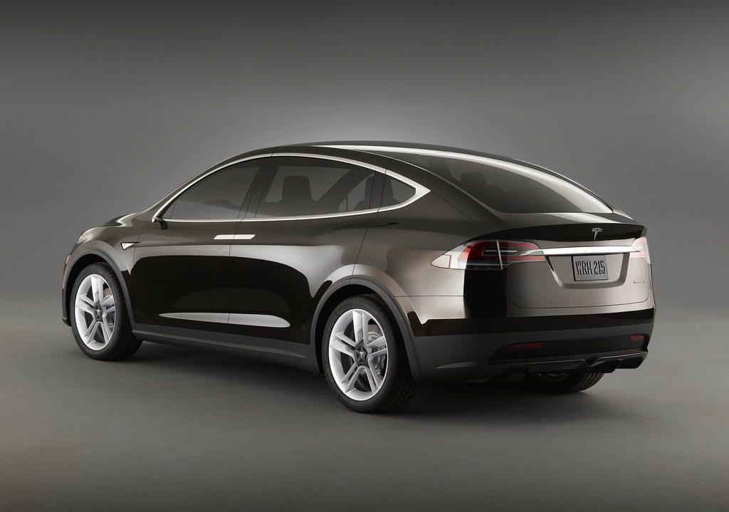 Előbb érkezik a Tesla Model Y?