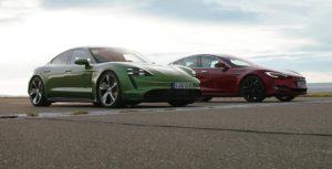 Porsche Taycan és Tesla Model 3